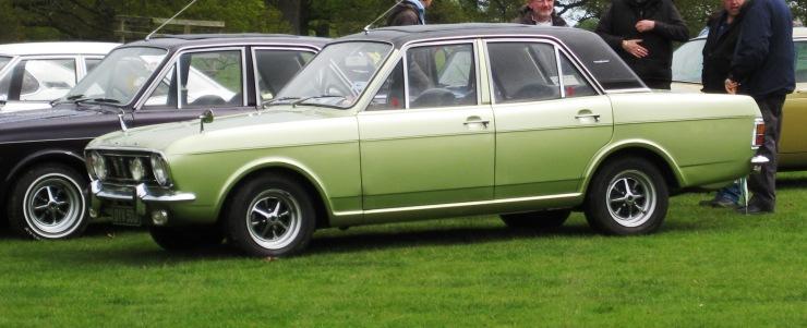 Ford_Cortina_1600E_1599cc_Oct_1970