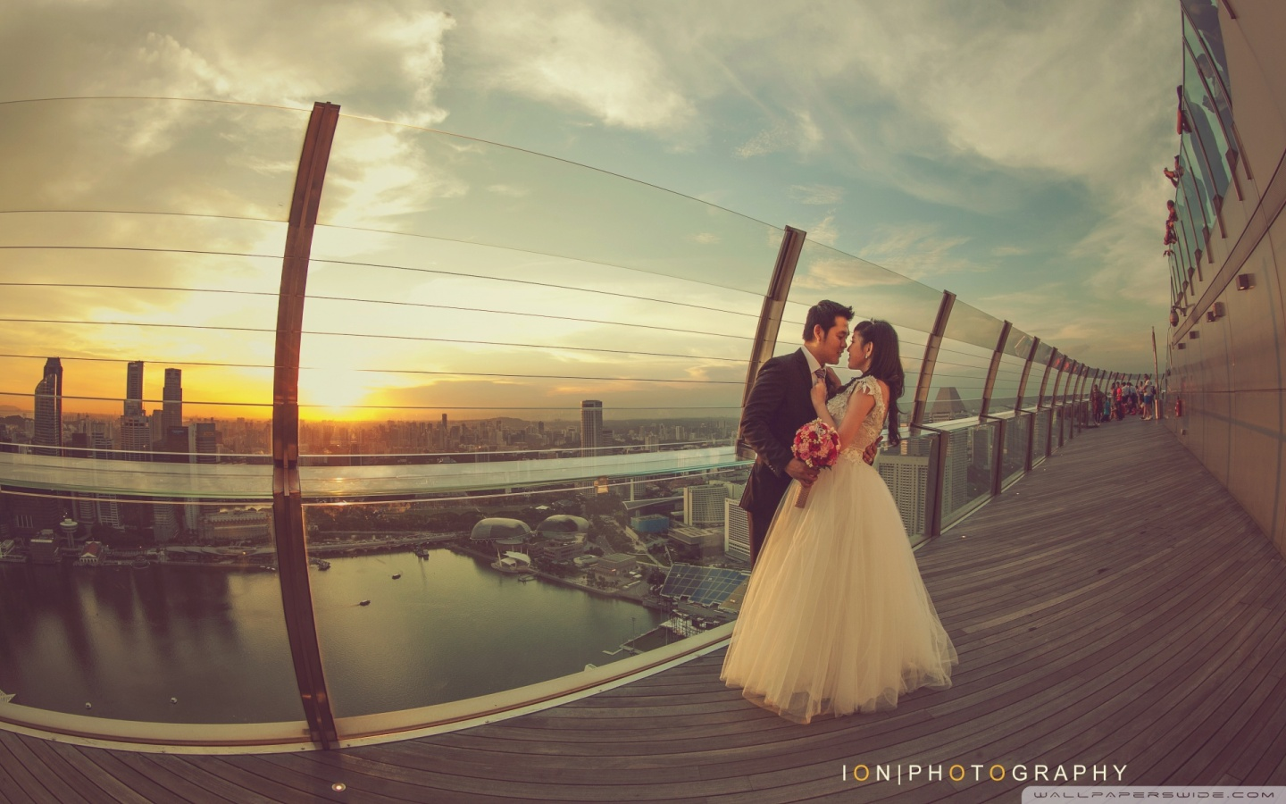 bride_and_groom_wedding-wallpaper-cloudbursting